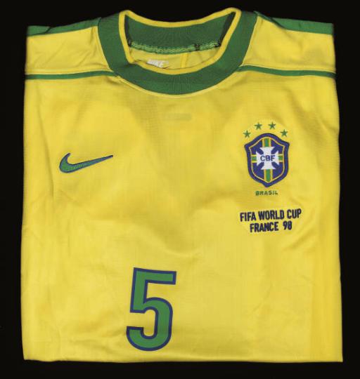 A YELLOW BRAZIL SHORT-SLEEVED