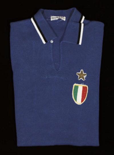 A BLUE ITALY SHORT-SLEEVED SHI
