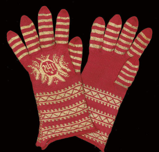 A PAIR OF RED SILK KNITTED EPI