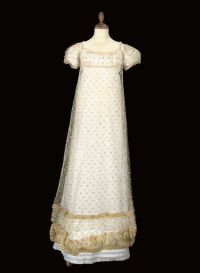 A RARE IVORY TULLE STRAW-EMBRO