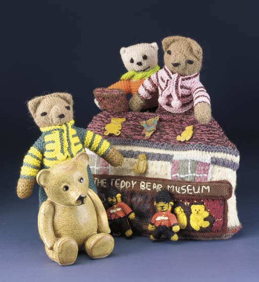 The Teddy Bear Museum knitted