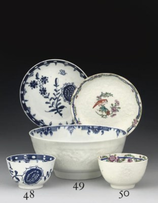 A WORCESTER TEABOWL AND SAUCER