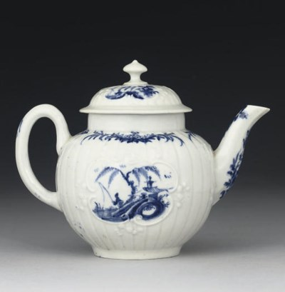 A WORCESTER BLUE AND WHITE PLE