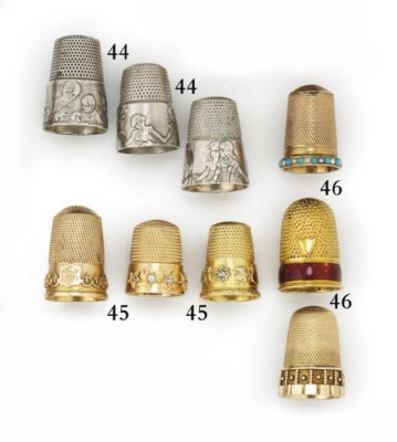 A gold and enamel thimble