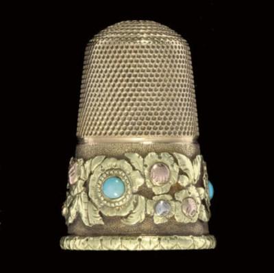 An English gold thimble