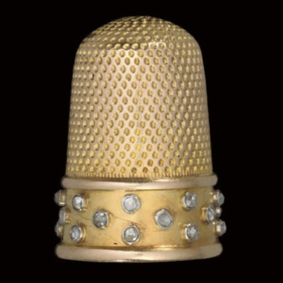 A French gold thimble