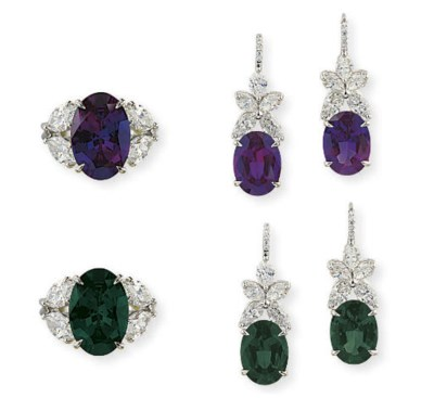 AN ALEXANDRITE AND DIAMOND SET