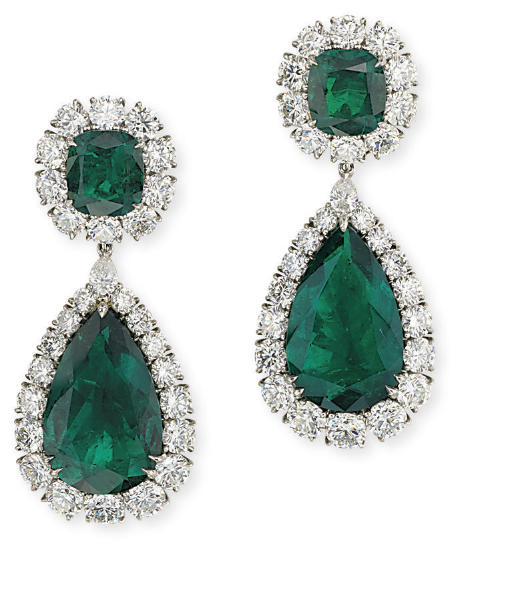 A SUPERB PAIR OF EMERALD AND D
