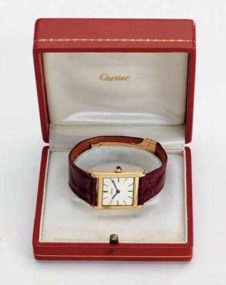 Cartier. A fine 18K gold squar
