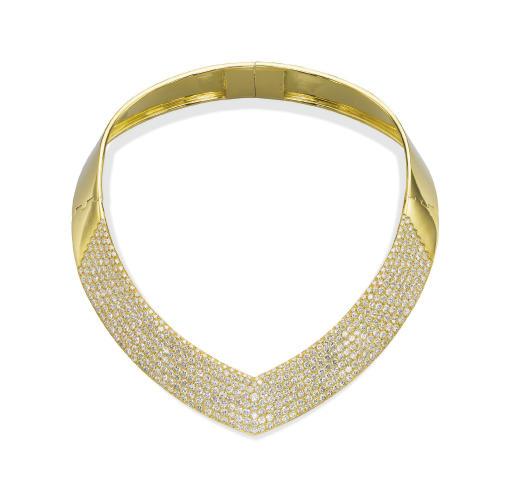 A DIAMOND AND GOLD CHOKER