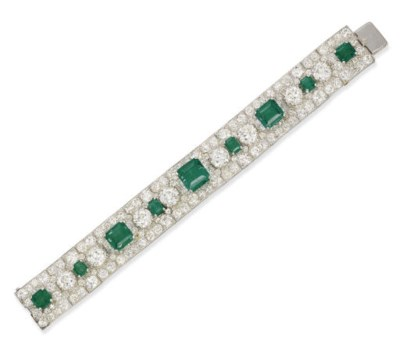 A SUPERB ART DECO EMERALD AND