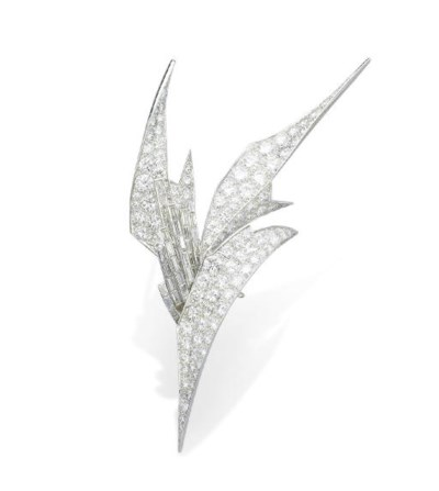 A DIAMOND BROOCH, BY STERLÉ
