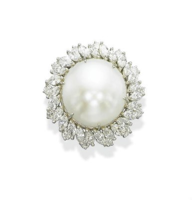 A NATURAL FRESHWATER PEARL AND