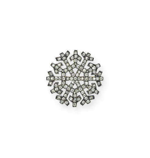 A DELICATE ANTIQUE DIAMOND 'SNOWFLAKE' BROOCH, BY FABERGÉ