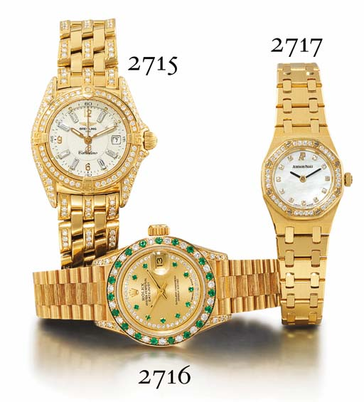 ROLEX. A LADY'S 18K GOLD, DIAMOND AND EMERALD-SET WRISTWATCH WITH CENTRE SECONDS AND BRACELET