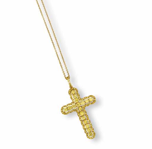 A COLOURED DIAMOND CROSS PENDENT NECKLACE