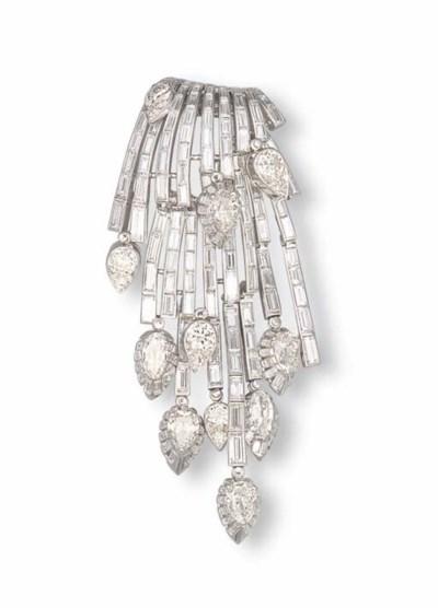 A DIAMOND CLIP BROOCH, BY STER