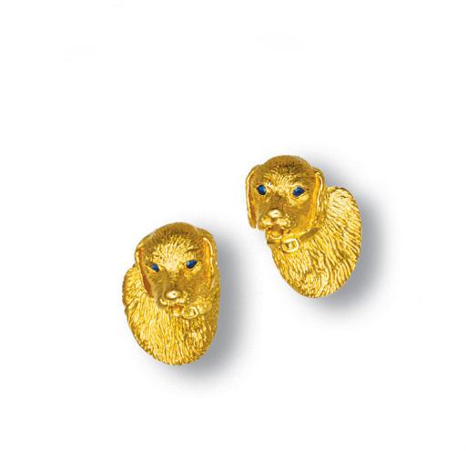 A PAIR OF 18K GOLD CUFFLINKS,