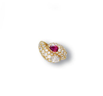 A DIAMOND AND RUBY RING, BY CA