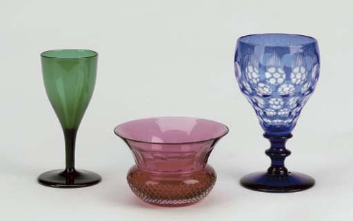 A GROUP OF COLORED GLASS STEMWARE AND FINGER BOWLS,