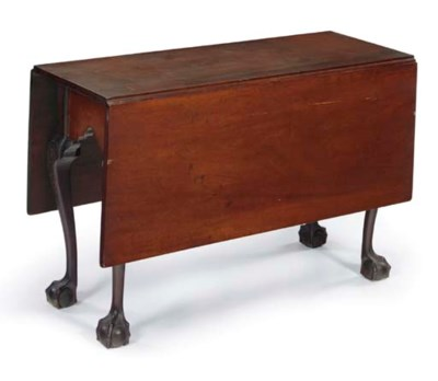 A CHIPPENDALE MAHOGANY DROP-LE