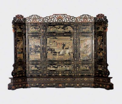 A MASSIVE CHINESE PARCEL-GILT