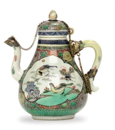 A FAMILLE VERTE TEAPOT AND COV
