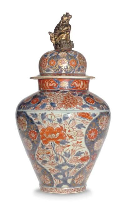 A LARGE JAPANESE ARITAWARE JAR