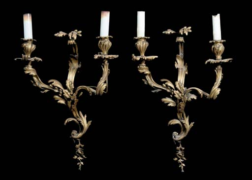 A SET OF FRENCH GILT-BRONZE TW