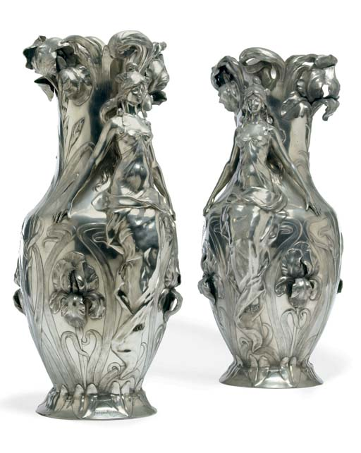 A PAIR OF LARGE FRENCH ART NOU