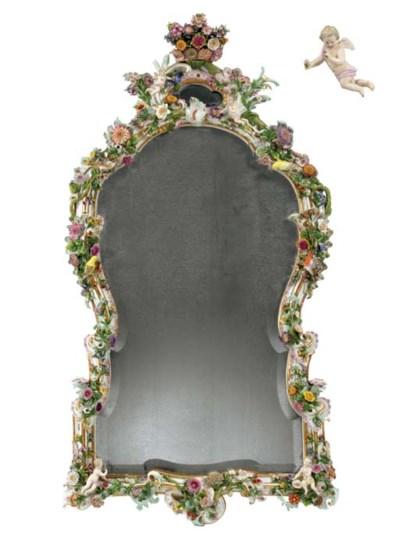 A MONUMENTAL MEISSEN FLOWER-EN