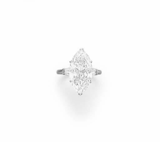 A DIAMOND RING, BY VAN CLEEF &