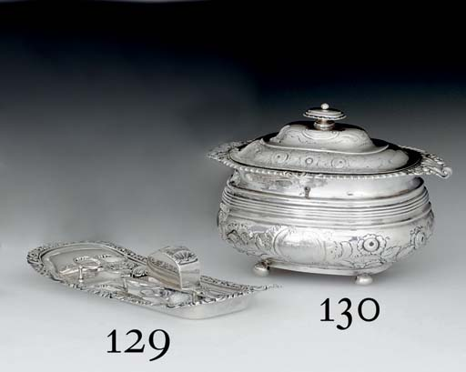 A GEORGE IV SILVER SNUFFERS AN