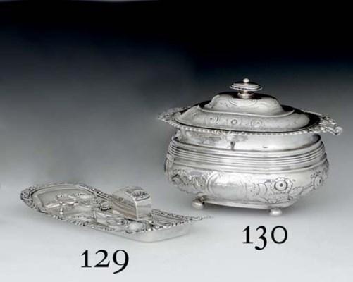 A GEORGE IV SILVER DOUBLE TEA