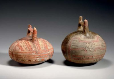 TWO EARLY PARACAS INCISED VESS
