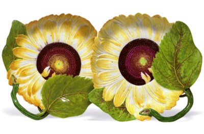 A PAIR OF CHELSEA SUNFLOWER DI