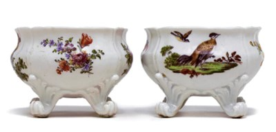 A PAIR OF DERBY SCROLL-FOOTED