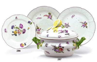 TWO MEISSEN FORGET-ME-NOT MOUL