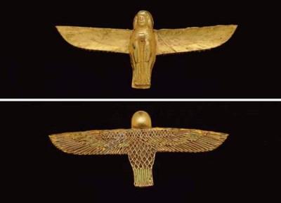 AN EGYPTIAN GOLD AND ENAMEL BA