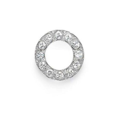 AN ART DECO DIAMOND CIRCLE BRO