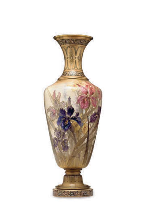 AN ENGLISH BALUSTER VASE,
