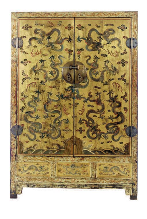 A CHINESE GILT AND LACQUERED C