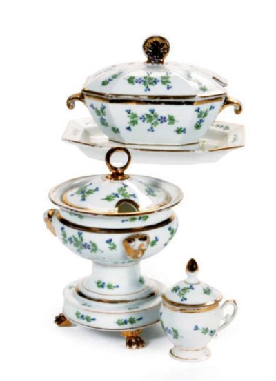 AN ASSEMBLED FRENCH PORCELAIN
