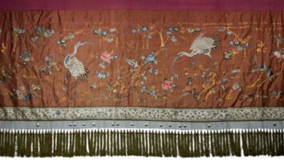 TWO CHINESE EMBROIDERED SILK W