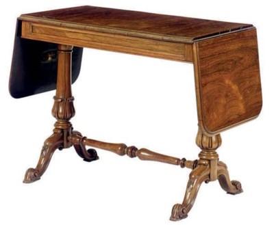 A VICTORIAN ROSEWOOD SOFA TABL