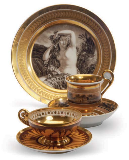 A GROUP OF FRENCH PORCELAIN TEACUPS, SAUCERS, AND CABINET PLATES,