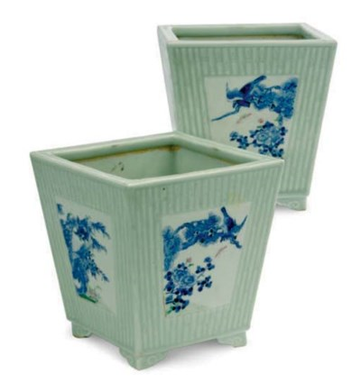 A PAIR OF CHINESE CELADON AND