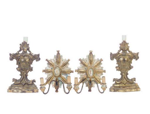 A PAIR OF ITALIAN GILTWOOD ARC