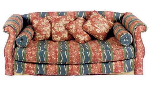 AN UPHOLSTERED ROLLED-ARM DAYB