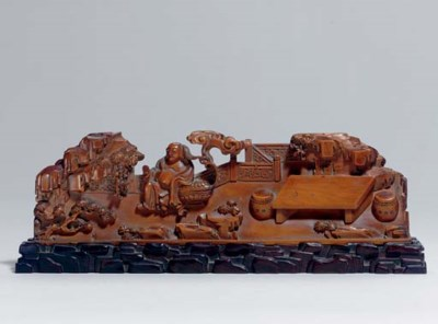 A FINELY CARVED BOXWOOD LOW TA